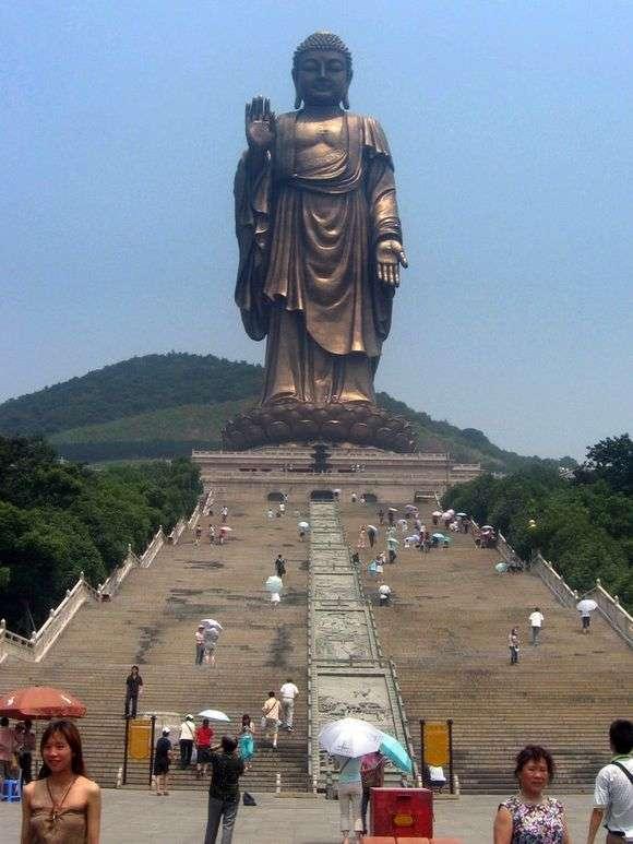Описание статуи Будды в Уси