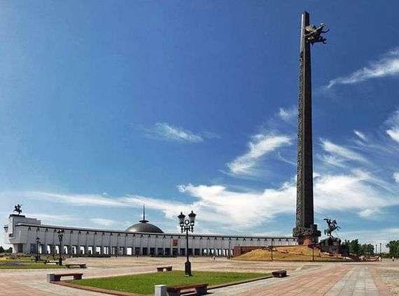 Описание памятника «Монумент Победы» в Москве