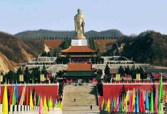 Описание статуи «Будда Весеннего Храма»